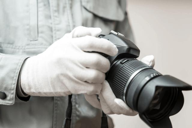 鑑識のカメラ